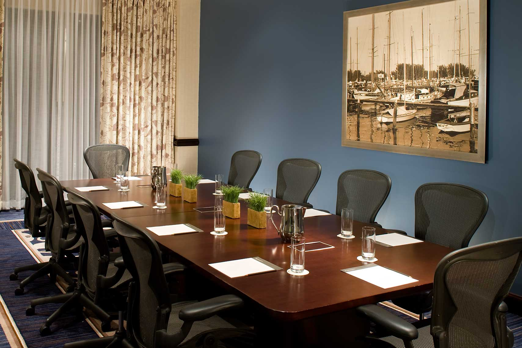 A view of an intimate and welcoming meeting room at the InterContinental West Shore